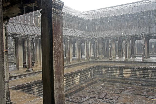 Lloviendo-en-Angkor-Wat (Copy)