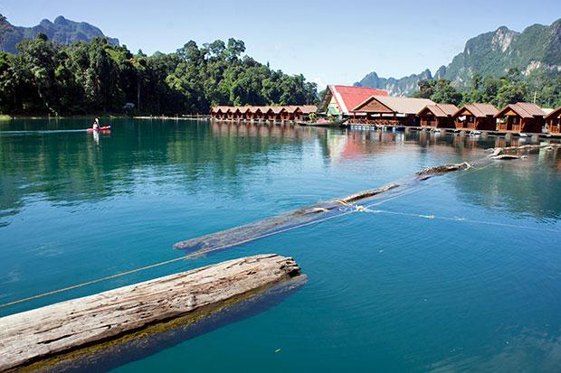 Resort-en-Khao-Sok-en-el-lago