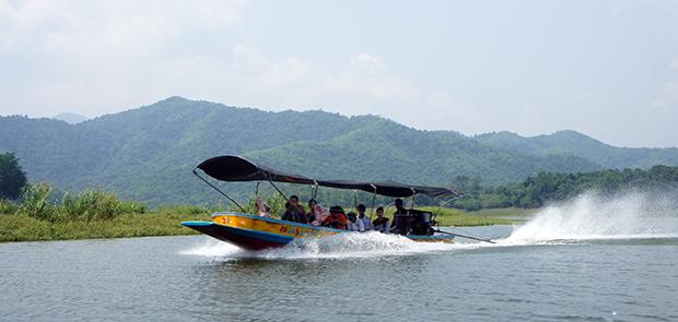 Barca-por-el-lago