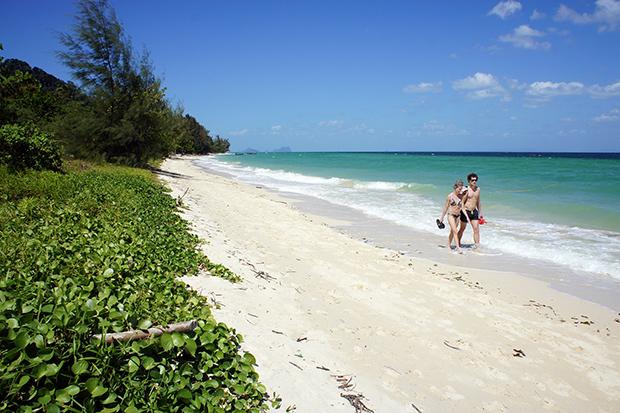 Long-beach-Koh-Ngai-4