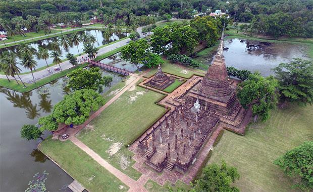 Ruinas-de-Sukhothai