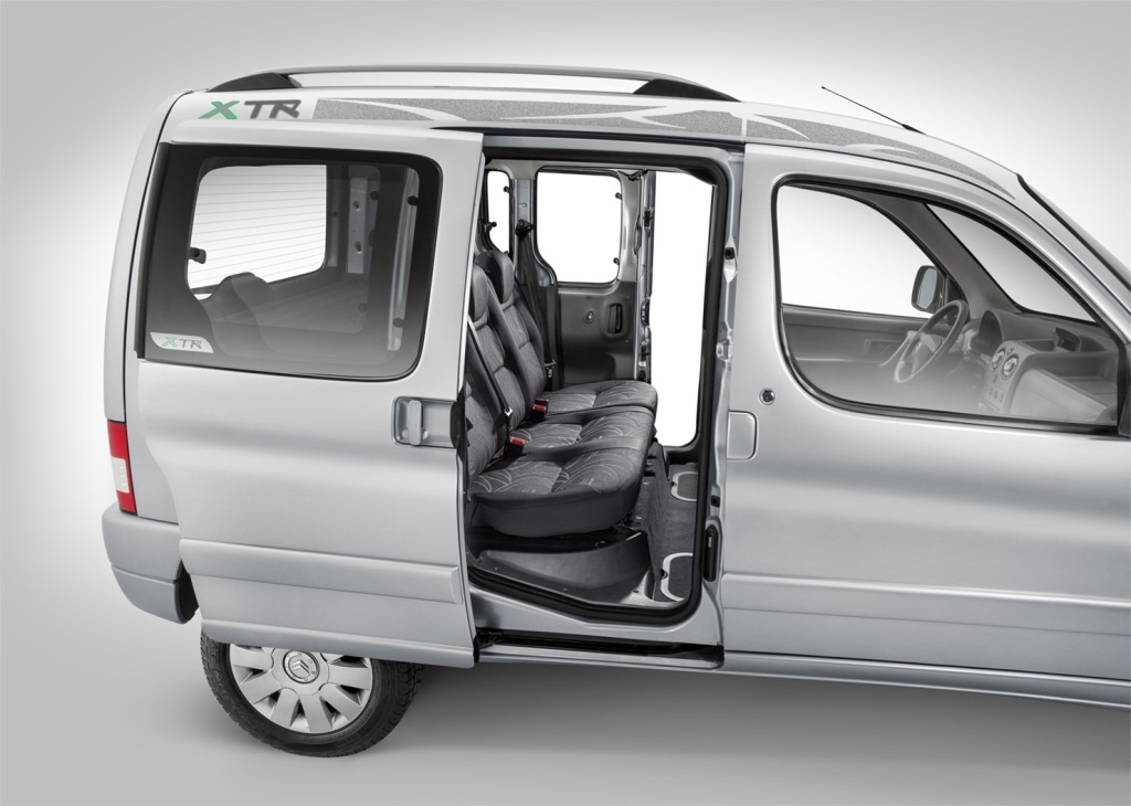 citroen berlingo xtr desde pesos mundoautomotor. Black Bedroom Furniture Sets. Home Design Ideas
