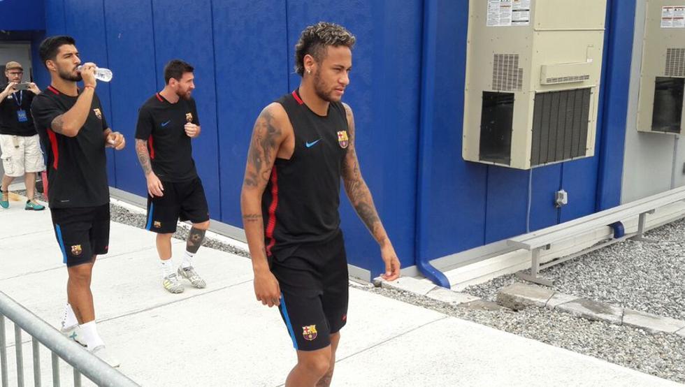 Neymar, Messi y Suárez salieron juntos al entrenamiento del Barça