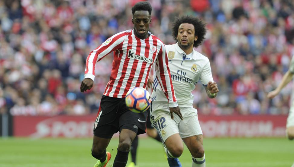 Williams intenta desbordar a Marcelo en el Athletic-Real Madrid de la pasada temporada.
