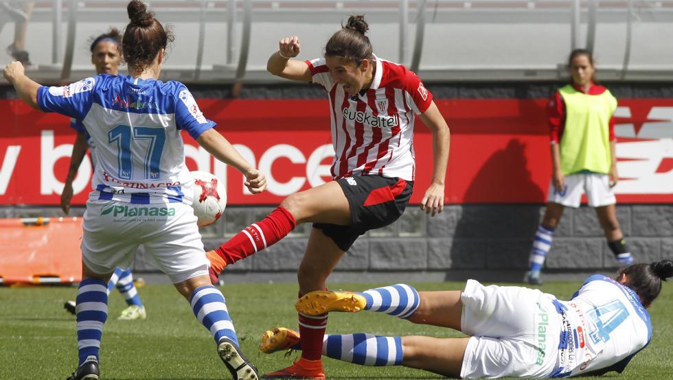 Nekana dispara a puerta ante el Sporting de Huelva