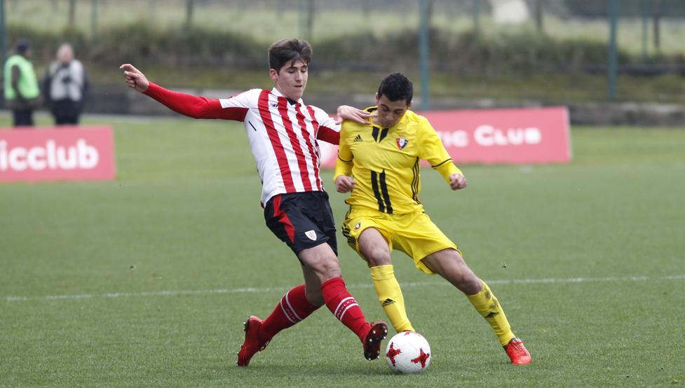 El Bilbao Athletic derrotó a Osasuna B por 2-0 en su última cita del año en Lezama.