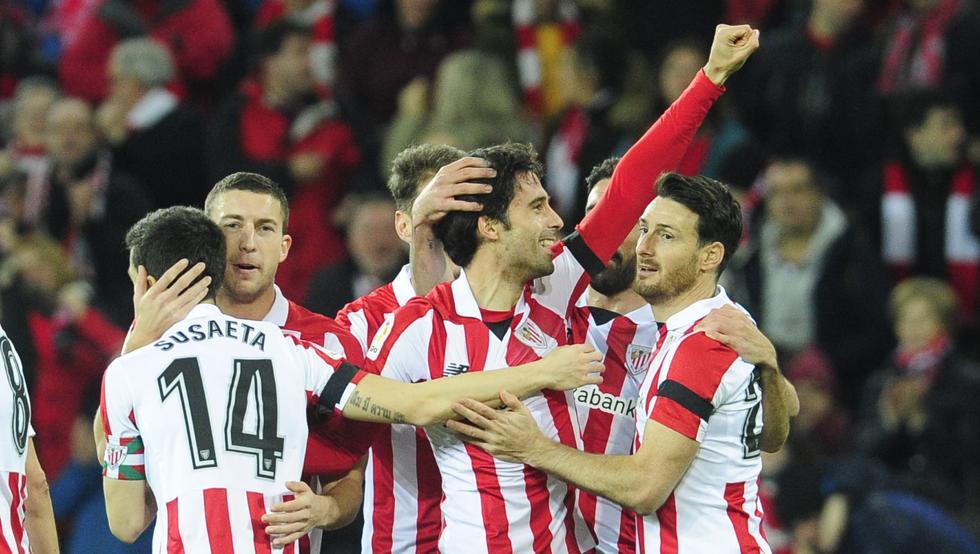 Etxeita celebra el primer gol ante el Alavés