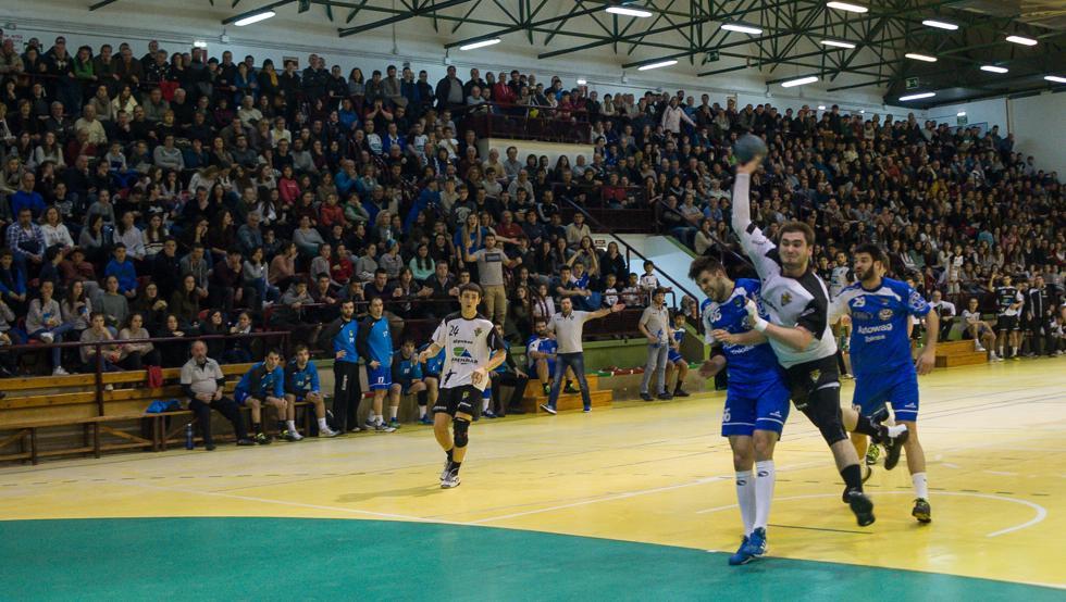 El Amenabar Zarautz se impuso al Tolosa en un abarrotado Aritzbatalde
