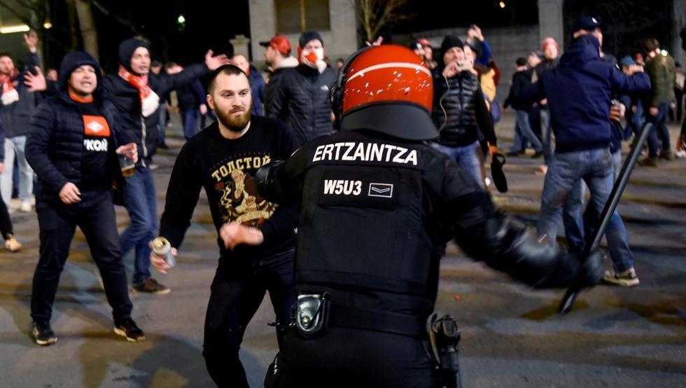 Los incidentes previos al Athletic-Spartak se saldaron con la muerte de un ertzaina