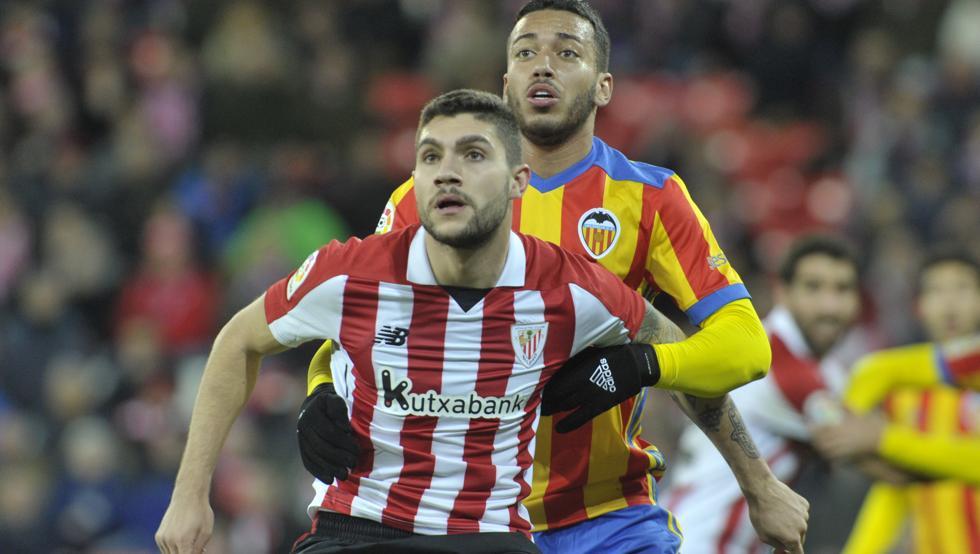 Núñez fue el jugador más destacado de los rojiblancos en el duelo contra el Valencia.