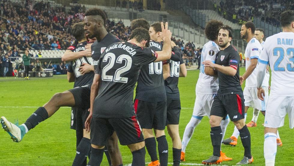 Los leones celebran el gol de penalti de Aduriz