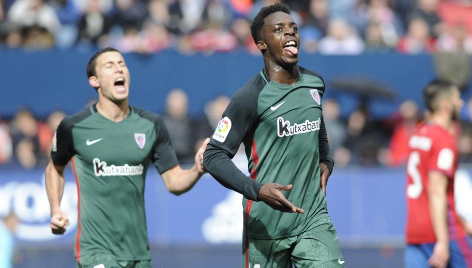De Marcos celebra el segundo gol en El Sadar, obra de Williams