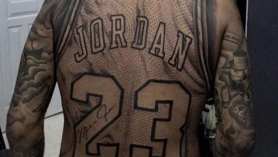 El Espectacular Tatuaje De La Camiseta Con El Número 23 De Michael