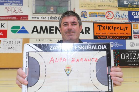 Aitor Urbitarte, Amenabar-Zarautzeko entrenatzailea, pozik mailari eutsita