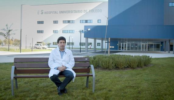 Carlos Almonacid, neumólogo