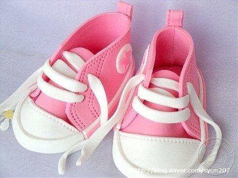 Zapatos para muñecas en Goma Eva
