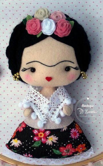Muñeca Frida en fieltro