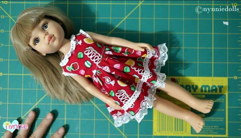 Vestido para la muñeca de Paola Reina paso a paso