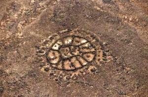 Extrañas formaciones en el medio oriente e1345655300326 300x201 Las misteriosas estructuras de piedra del Medio Oriente