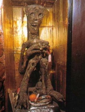 Demonio Usa Momias de demonios en los templos budistas de Japón