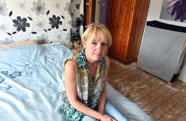 mujer britanica demonio habitacion Mujer británica es agredida por un demonio que vive en su habitación de invitados