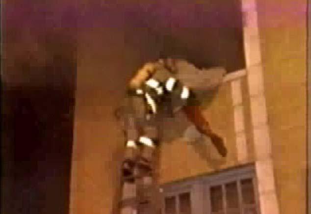enfant femme feu la vie passée - un garçon de 5 ans se souvient avoir été une femme décédée dans un incendie dans sa vie passée