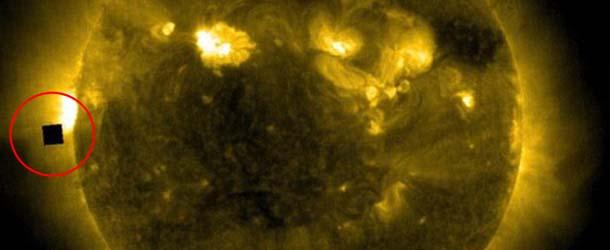 Aparece un misterioso 'cubo gigante' negro cerca del Sol