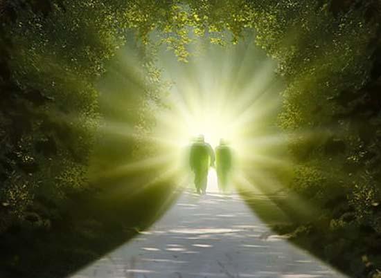 Guías espirituales seres de luz están entre nosotros