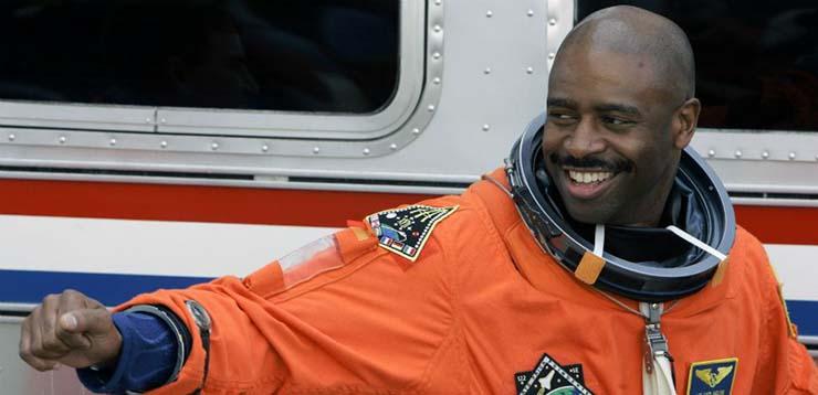 criatura extraterrestre en espacio - Astronauta de la NASA afirma haber visto una criatura extraterrestre en el espacio