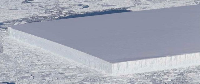 mysterious iceberg - NASA publishes the image of a mysterious perfectly rectangular iceberg