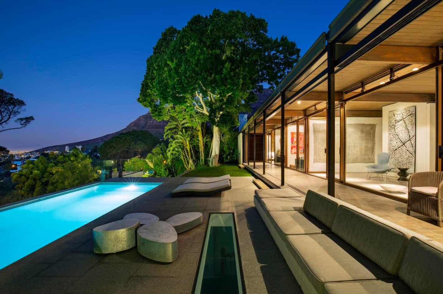 Moderna casa de montaa con vistas impresionantes a la