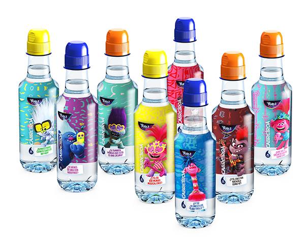 Los Trolls Regresan A Las Botellas De Cabreiroa