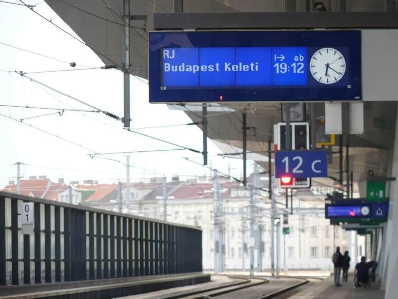 Budapeste Mundo Indefinido