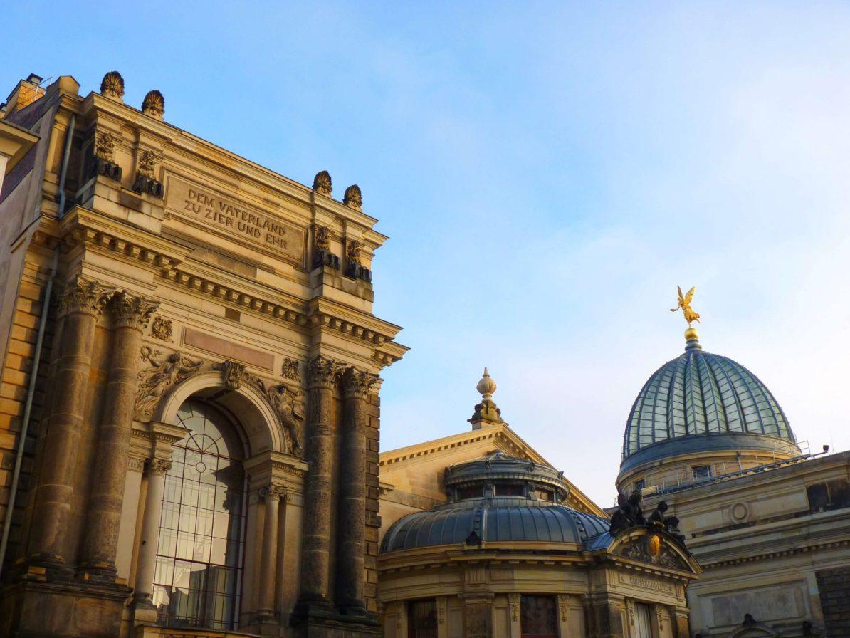 Bruhlsche terrasse Lipsiusbau Dresden Alemanha Mundo Indefinido