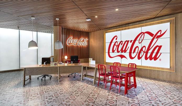 Microsoft firma una asociación de 5 años con Coca-Cola