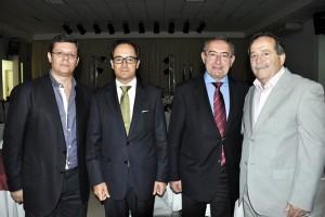O presidente Paulo Freitas, o Cônsul Paulo Lourenço, o Secretário da SECP José Cesário e o dirigente da Beneficência de SCS Antonio Rubira.