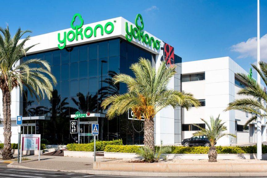 Fachada del establecimiento de Yokono en Elche