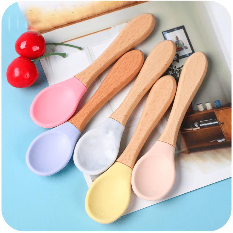 Prato de alimentação e talher de silicone