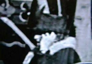 Viajero del tiempo cogido en una película de 1928 de Charlie Chaplin