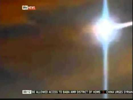 Grabaciones sorprendentes de un enorme meteorito pasando sobre el Reino Unido – 03 de marzo 2012