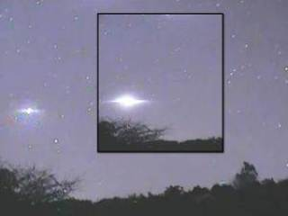 ufo nw zealnd - Amazing UFO activity in the sky above Rotorua, New Zealand May 22, 2012