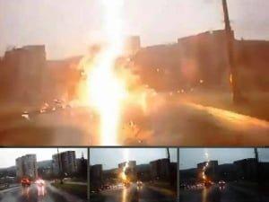Rayo golpea un coche mientras conducía, en Rusia