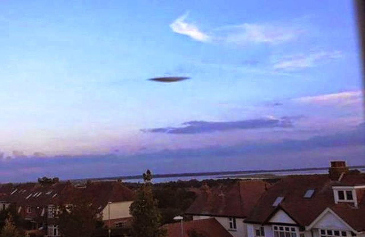 Avistamientos OVNI en Inglaterra, Florida y California