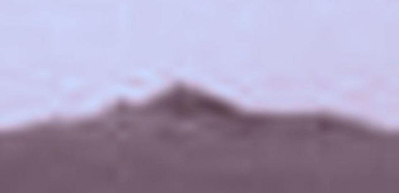 ¿Antigua pirámide y sarcófago encontrados en Marte?