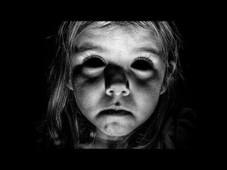 El tremendo avistamiento de un niño con ojos negros de México