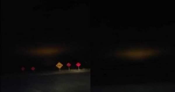 Luz anaranjada desconocida aparece en el cielo sobre Santa Maria, California