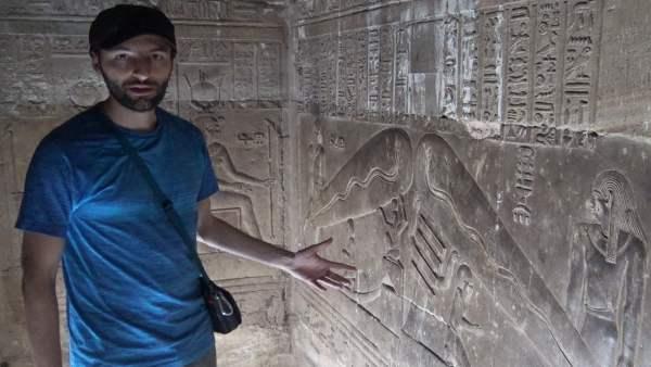 ¿Conocían los Egipcios la electricidad? Las bombillas de Dendera y los OVNIS de Abydos