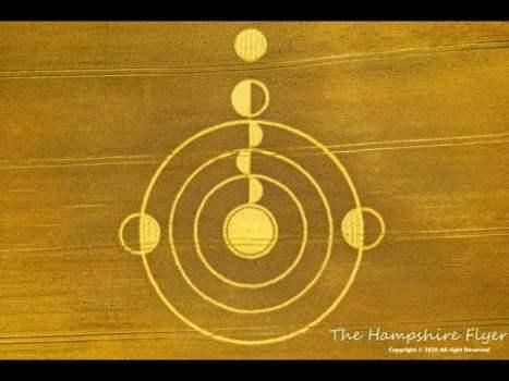 ¡Increíble formación de círculo de la cosecha encontrada cerca de Stonehenge! (16 jul. 2020)