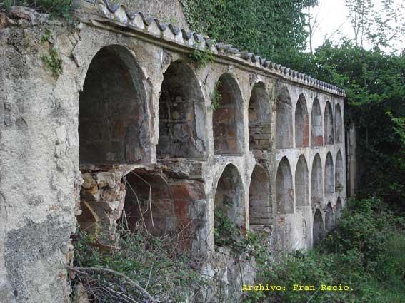 Los nichos del cementerio de Marmellar