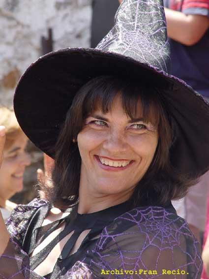 Representación de las actuales brujas de Trasmoz (guapas sin duda)